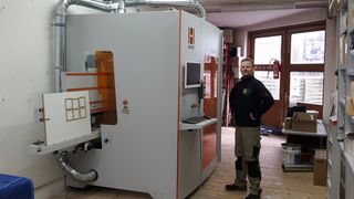 Super experience with the HOLZHER CNC EVOLUTION 7405 - work in extremely limited space in vertical