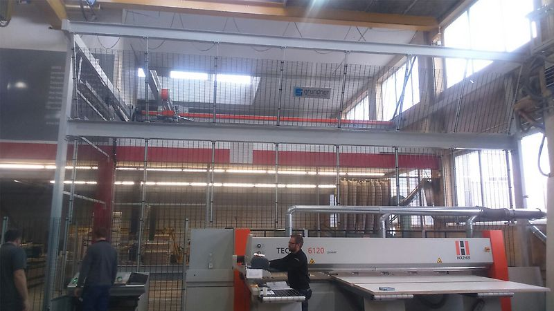 Flexible panel storage system for maximum Swiss woodworking competency